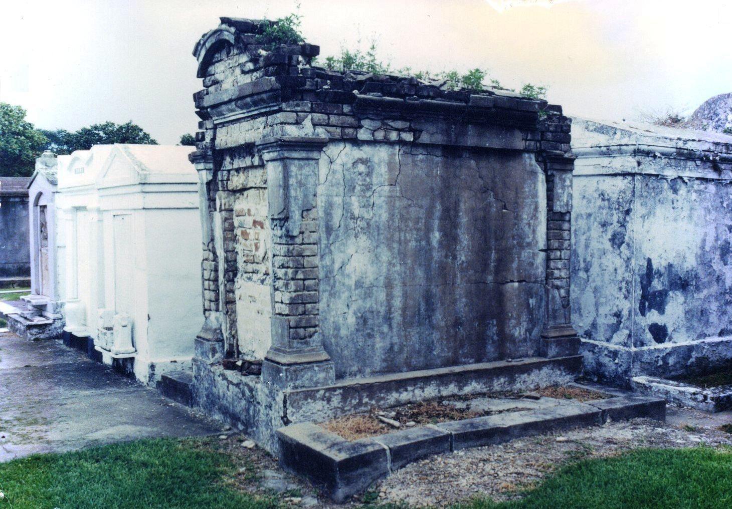 Tomb Lafayette Cemetery No. 1